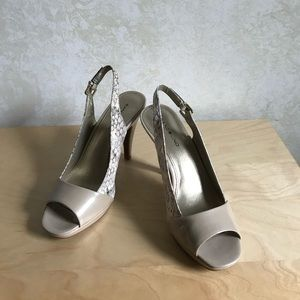 Bandolino Beige Patent and Faux Snake Heels